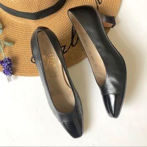 VTG Salvatore Ferragmo black pointed toe heels